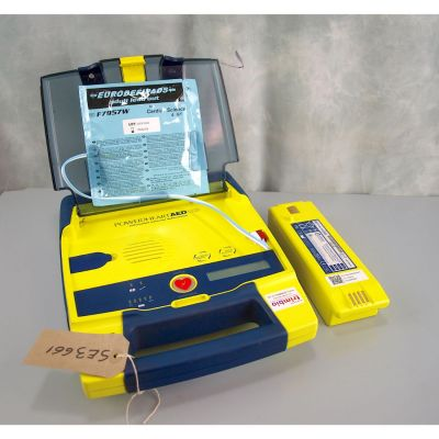 Cardiac Science G3 Semi Automatic AED Defibrillator with Battery (85%) & 1 NEW Pack of Electrodes