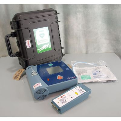 Laerdal Heartstart FR2 AED Defibrillator with NEW battery(100%), 1 pack of NEW electrodes & NEW Robust Carry Case