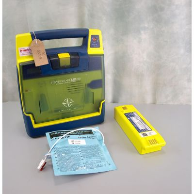 Cardiac Science G3 Semi Automatic AED Defibrillator with Battery (50%) & 1 NEW Pack of Electrodes