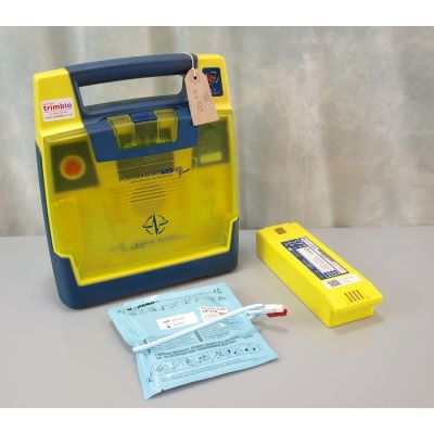 Cardiac Science G3 Pro AED Defibrillator with Battery (52%) & 1 New Pack of Electrodes