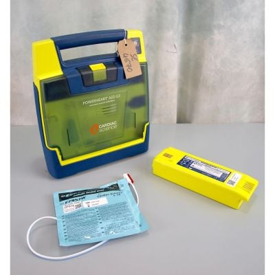 Cardiac Science G3 Semi Automatic AED Defibrillator with Battery (37%) & 1NEW Pack of Electrodes