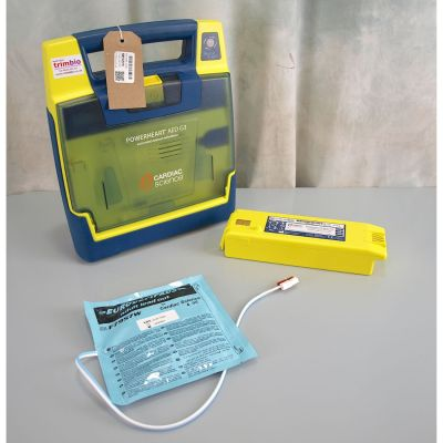 Cardiac Science G3 Semi Automatic AED Defibrillator with  Battery  (80%) & 1NEW Pack of Electrodes