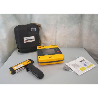 Physio Control Medtronic LifePak 1000 with NEW Battery (100%) & 1 Pack of NEW Electrodes & Carry Case