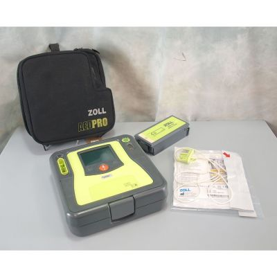 Zoll AED Pro - Semi Automatic Defibrillator (AED) with 1 pack of NEW electrodes